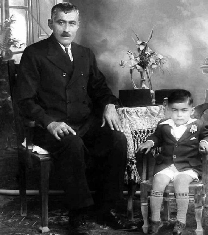 کودکی نجف دریابندری در کنار پدرش