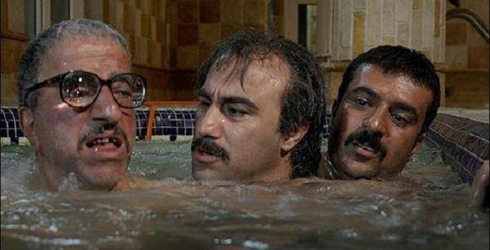 علیرضا خمسه محسن تنابنده و احمد مهرانفر در سکانسی از سریال پایتخت