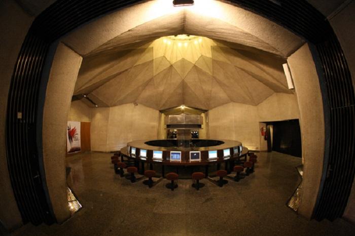 پایگاه دانستنی ها ( راهروی تکنولوژی ) برج آزادی