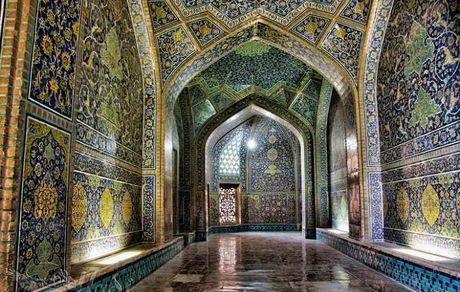 همه چیز درباره مسجد شیخ لطف الله شاهکار معماری اسلامی دوره صفویه