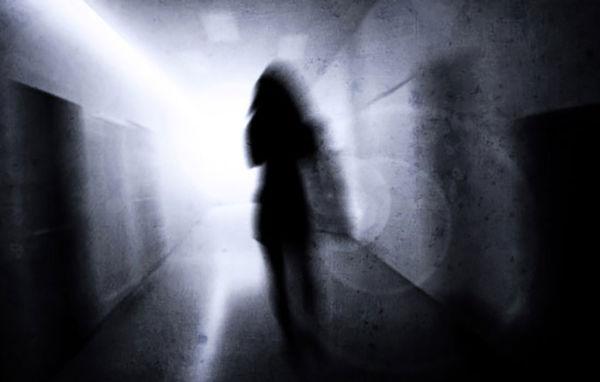 راز فیلم های شیطانی یک مرد با 32 دختر یک محله در انباری / وقتی یک پسر فیلم خواهرش را دید!