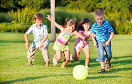 کودکان باید روزانه ۶۰ دقیقه فعالیت بدنی داشته باشند