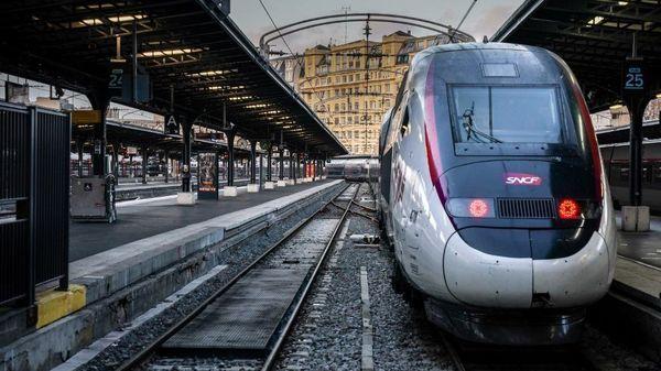 ساعت کار مترو و اتوبوس ها از اول آذرماه افزایش یافت