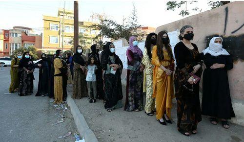 صف مشارکت در انتخابات پارلمانی عراق در شهر دهوک عراق/ رویترز