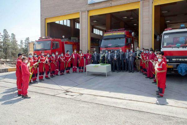 دیدار جمعی از معاونین و مدیران شرکت گلگهر با آتشنشانان گل گهر