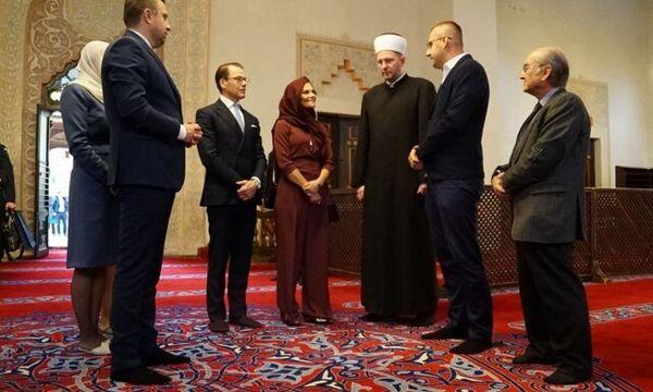 پوشش حجاب ولیعهد سوئد در یک مسجد +عکس