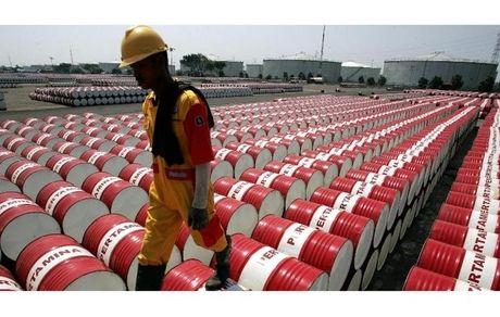 روند رشد قیمت نفت آهسته ماند