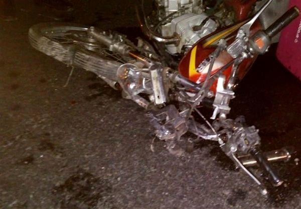 دنده عقب پراید منجر به فوت موتورسوار شد + تصاویر