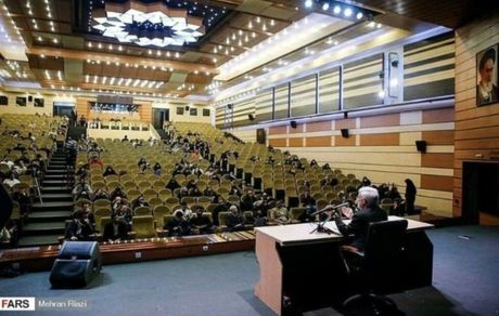 سخنرانی سعید جلیلی برای صندلیهای خالی!