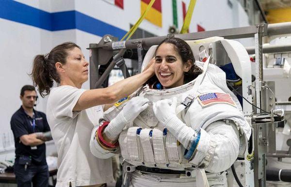 یاسمین مقبلی فضانورد ایرانی تبار به ماه می رود + بیوگرافی