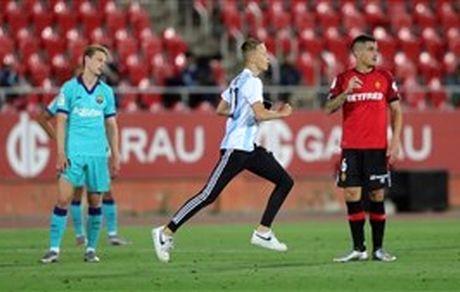 بازی بیتماشاچی و تهدید مسی با لباس آرژانتین