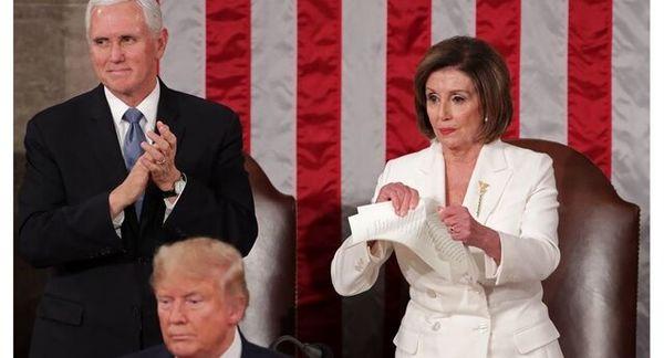 نانسی پلوسی از حرص متن سخنرانی ترامپ را پاره کرد