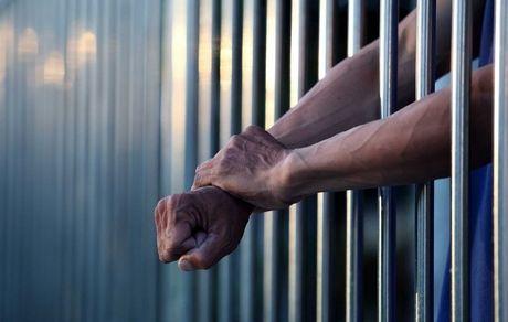 نوهای که پدربزرگش را راهی زندان کرد
