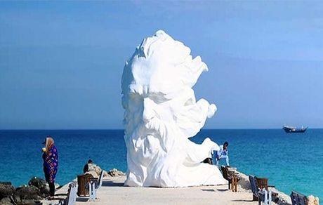 تبدیل ساحل ماشه کیش به زون گردشگری هنری با اجرای سمپوزیوم مجسمه سازی