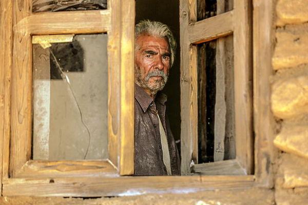 اولین تصویر از فرامرز قریبیان در فیلم سینمایی خروج