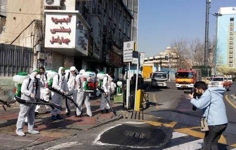 ضدعفونی کردن خیابان ولیعصر به طول ۱۸ کیلومتر توسط ۱۵۰۰ نیرو