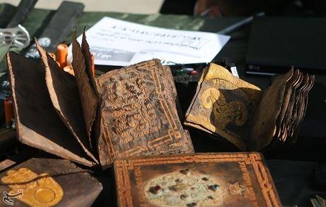 بازداشت متهمان حین فروش میلیاردی ۲ نقشه گنج جعلی + تصاویر