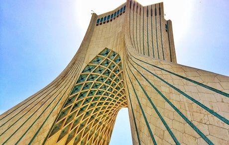 همه چیزهایی که لازم است درباره برج آزادی نماد شهر تهران بدانید