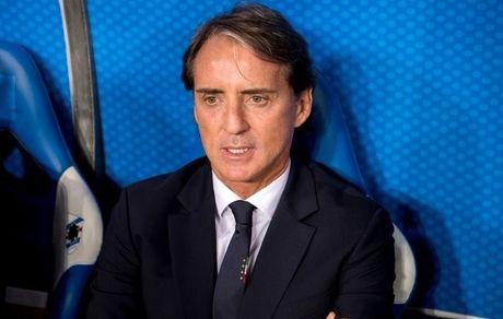 مانچینی: ایتالیا خودش را به دردسر انداخت/ هجومی بازی کردن، ریسک موقعیت دادن به حریف را هم دارد