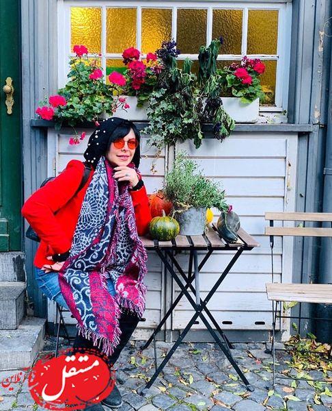 گشت و گذار خانم بازیگر در آلمان + عکس