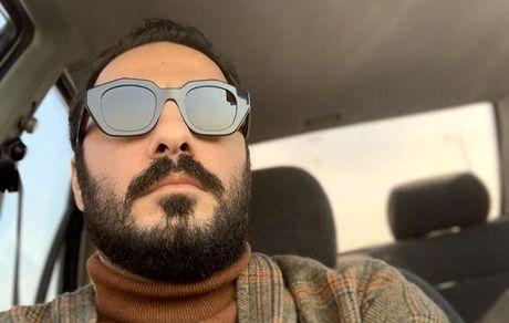 نوید محمدزاده در ماشین شخصیش + عکس