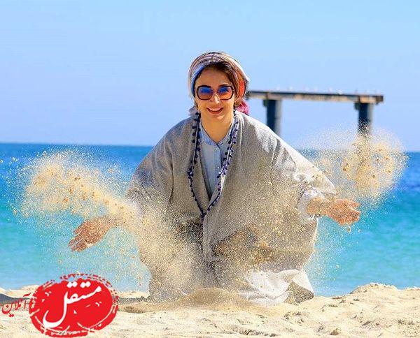 شن بازی شبنم قلی خانی لب ساحل + عکس