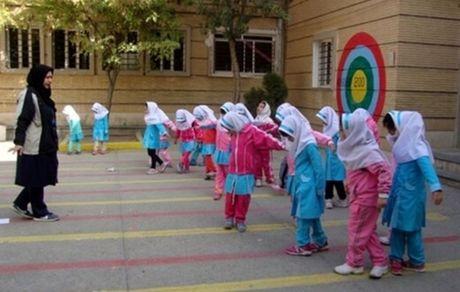 فولاد مبارکه حامی همیشگی فرهنگیان و دانش آموزان بوده است