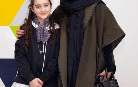 مونا فرجاد در کنار دخترکوچولوی هیولا + عکس