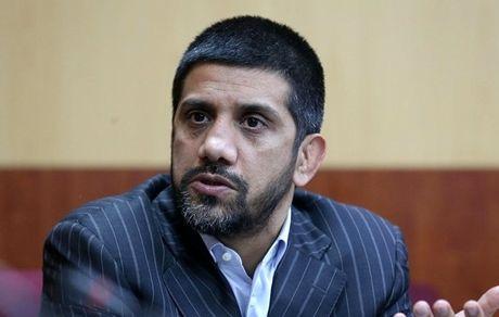 دبیر: امثال سردار سلیمانی در ایران کم نیستند