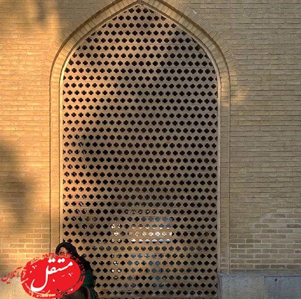 همسر شهاب حسینی در مکانی تاریخی + عکس