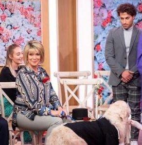 ازدواج عجیب یک زن با سگش +عکس