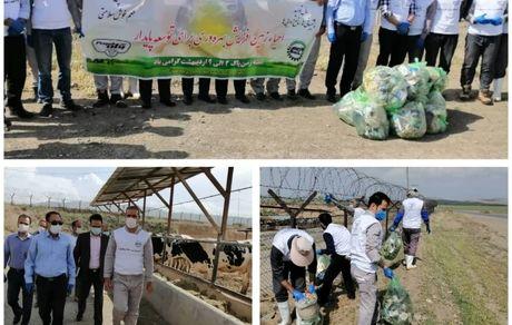 پاکسازی اراضی استان  توسط کشت و صنعت پگاه همدان
