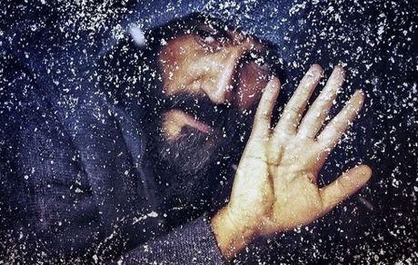 گیر کردن هادی حجازی فر در برف + عکس