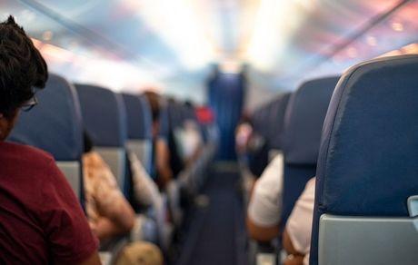 حرکت زشت یک مسافر در هواپیمای خارجی