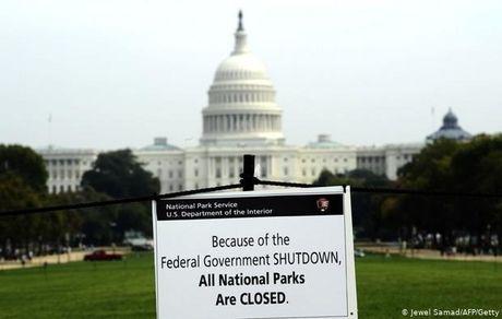 دولت آمریکا هر روز بدهکارتر میشود