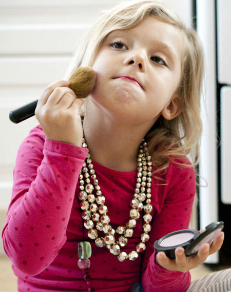 بهترین سن برای آرایش دختران
