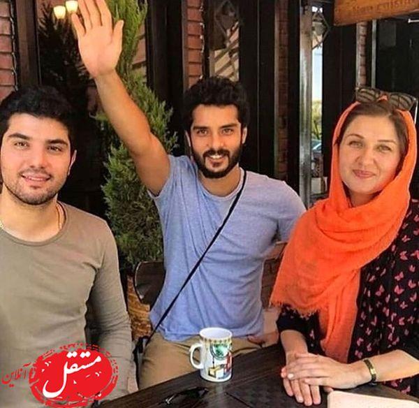 ساعد سهیلی در کنار همسر و برادر مشهورش + عکس