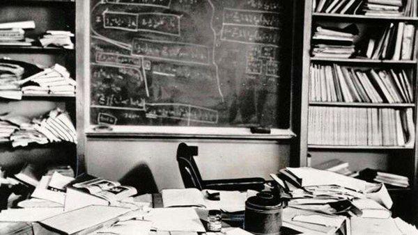 میز کار «آلبرت انیشتین»