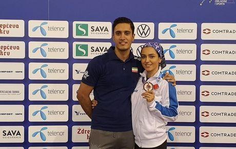 تصویری از فرزانه فصیحی به همراه همسرش سید امیر حسینی