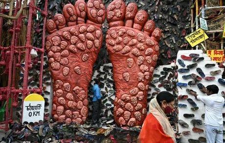 اعتراض نمادین کشاورزان هندی در شهر کلکته هند/ خبرگزاری فرانسه